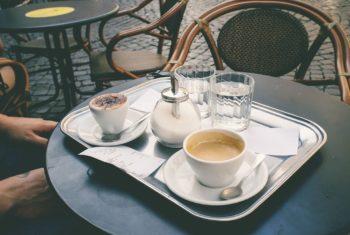 Du café contre les chutes chez les séniors ?