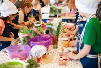 Aidez vos enfants à bien manger : un panorama en 10 points